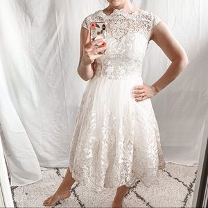 3/$30 🌿 Chi Chi London Metallic Lace Tulle Dress
